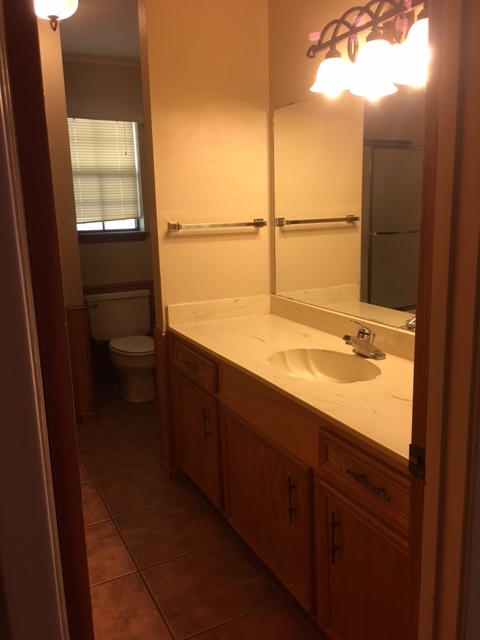 3613 Chevy Chase Right Bathroom